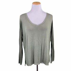 American Eagle Soft & Sexy Olive Hi/Low V-Neck Tee